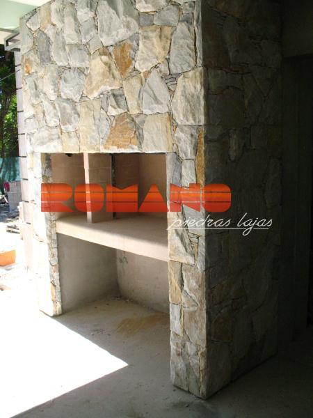 Hogares y parrillas romano piedras lajas for Parrilla para casa